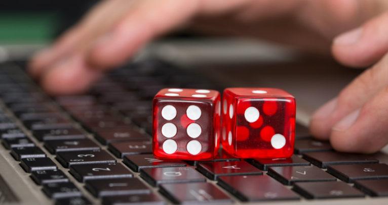 Online-Casino-Gaming-on-Rainy-Days-c